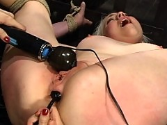 Lorelei Lee balances on her tiptoes while impaled on steel cock