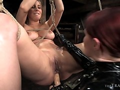 Slave Delilah Strong ass fucked by Mistress Claire Adams